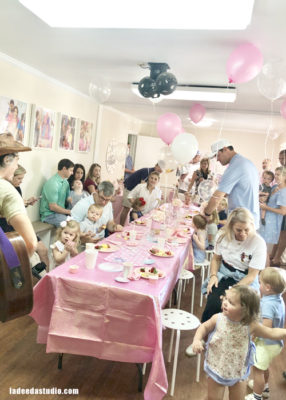 custom parties atlanta, bubbles and brunch, art studio, la dee da, art and party, kids parties, toddlers, atlanta moms,